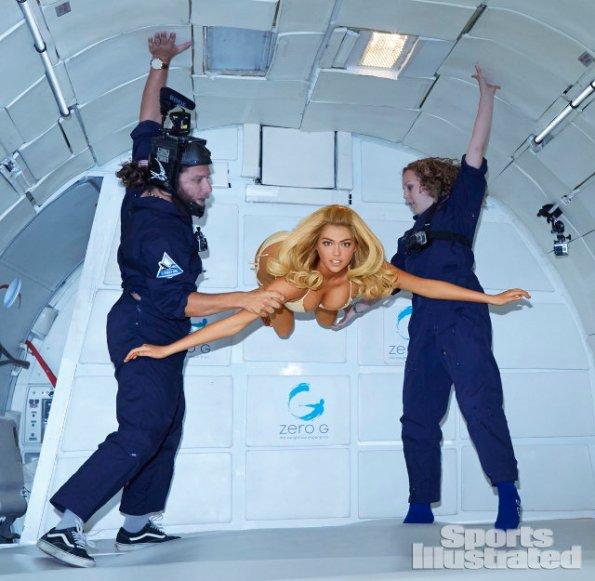 kate-upton-zero-gravity-1